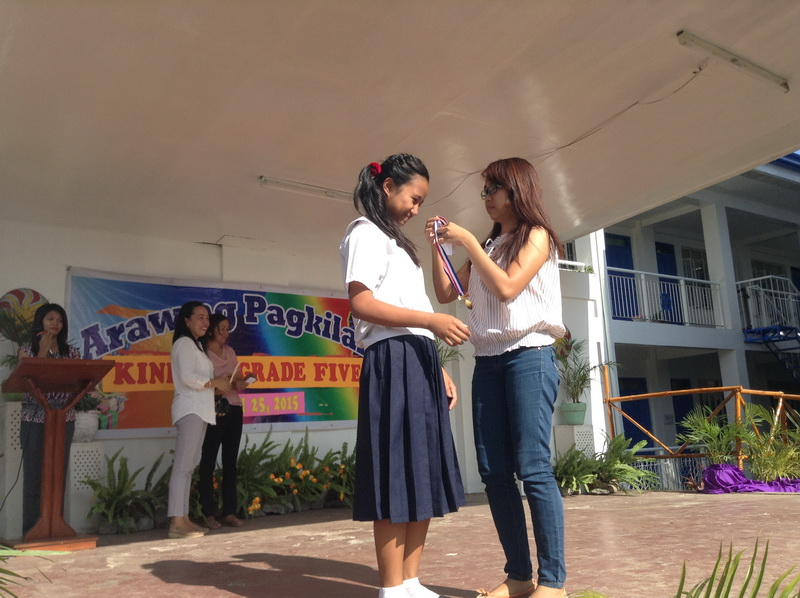 Bahay Aurora kids receive awards in school